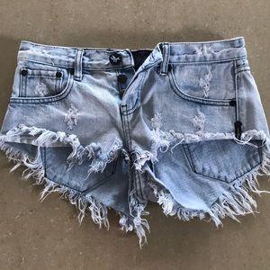 One Teaspoon Jean shorts sz 25